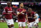 Chicharito gembira cetak 50 gol di Liga Inggris