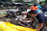 Babinsa Koramil Sentani kembali menemukan jenazah korban banjir bandang