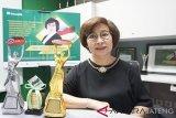 Usia Tak Hentikan Prestasi Yenny, Agen Manulife Indonesia
