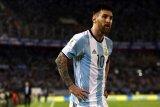 Alami cedera , Lionel Messi tinggalkan kamp Argentina dan kembali ke Barcelona