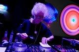 Berpesta musik bersama DJ berumur 80 tahun di Polandia