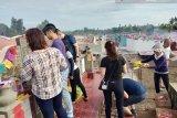 Ratusan warga Tionghoa padati pemakaman saat Cheng Beng