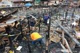 Tim Labfor Polri amankan kabel listrik dan arang bekas kebakaran di Palangka Raya