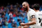 Benzema bawa Madrid bangkit dari ketertinggalan dan atasi Eibar 2-1