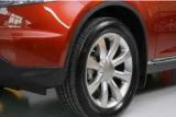 Ini tips rawat ban mobil bagi mitra taksi 'online'