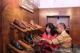 Produksi sepatu Indonesia  peringkat ke-4 dunia