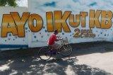 Mural sosialisasi keluarga berencana