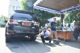 Sleman uji emisi kendaraan dinas dan umum