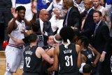Nets dikabarkan incar rekrut Durant, Irving dan DeAndre Jordan