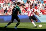 PSV menundukkan ADO 3-1 dan tempel ketat Ajax