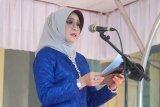 Mataram menggelar upacara Hari Kartini dengan peserta berkebaya