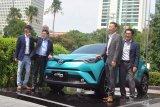 Rio konsumen pertama Toyota CH-R Hybrid