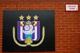 Anderlecht terkena sanksi karena suporter lempar kembang api