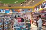 Ibu Iriana Jokowi belikan mainan untuk dua cucunya