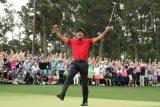Donald Trump menganugerahi Tiger Woods Medali Kebebasan