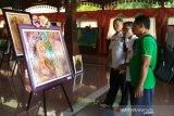 Peringati Hardiknas, guru SMP di Kudus gelar pemeran lukisan tunggal