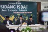 Menteri Agama :  hilal terlihat oleh  sembilan perukyat