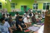 Di Kendari, warga muslim antusias laksanakan shalat tarawih pertama
