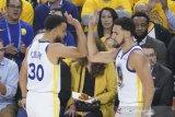 Curry pimpin Warriors memenangi gim pertama final Barat