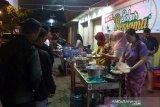 Warga Purwokerto bagikan ratusan porsi makan sahur gratis (VIDEO)