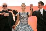 Antonio Banderas dan Penelope Cruz reuni di karpet merah Cannes