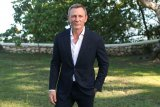 Aktor James Bond akan operasi pergelangan kaki