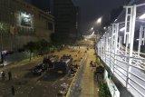 Hingga Adzan subuh berkumandang, massa kerusuhan 22 Mei masih bertahan