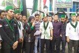 Jumlah mahasiswa di DPRD Sumut yang aksi terus bertambah dan memanas