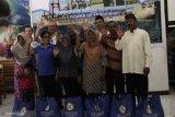 200 paket Ramadhan dari Karpowership untuk warga muslim Bolok