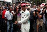 Hamilton merasa ditemani Niki Lauda saat memenangkan Grand Prix Monako