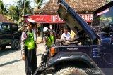 Polres Kulon Progo memeriksa kelaikan jeep di Objek Wisata Kalibiru (VIDEO)