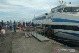 Penumpang  di Pelabuhan Manado libur akhir tahun naik