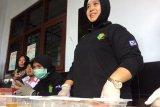 Puluhan sopir angkutan lebaran di Terminal Jombor dites urine