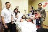Anak-anak masih temani Ani Yudhoyono di Singapura