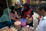 Video - Loka POM Banyumas awasi penjualan takjil di Purwokerto