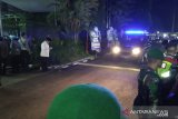 Tiba di rumah duka, Jokowi sambut jenazah Ani Yudhoyono