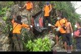 SAR  evakuasi mayat tanpa identitas di Pantai Trenggole