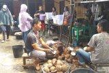 Pedagang  santan habiskan 5.000 kelapa dalam sehari
