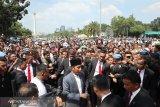Presiden Joko Widodo sambangi ribuan warga di Monas
