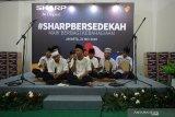 SHARP Bersedekah Bagikan Kebahagiaan dan Ilmu Pengetahuan