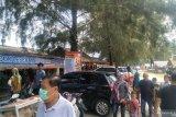 Because of this, the tourist visits to Pantai Tiram of Padang pariaman reached 6,000 people