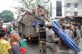 Penertiban PKL, seorang petugas nyaris ditikam