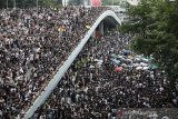 Puluhan ribu demonstran lumpuhkan Hong Kong