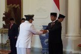 Jokowi inducts Arinal Djunaidi as Lampung Governor, Chusnunia Chalim as Deputy Governor