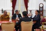 Jokowi tak paksa Gibran dan Kaesang terjun ke politik