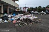 Warga Pasar Inpres keluhkan tumpukan sampah, timbulkan bau busuk