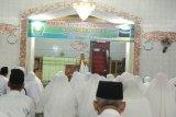 Sebanyak 228 calon jamaah haji asal Kotabaru melaksanakan manasik haji di Masjid Khusnul Khotimah Kotabaru.