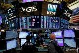 Wall Street menguat ditengah harapan perdagangan dan data beragam
