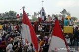 Massa GKR pimpinan Ketum FPI datangi MK