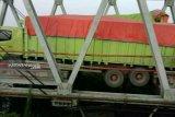 Kendaraan diarahkan ke Tol Kayuagung akibat jembatan ambruk